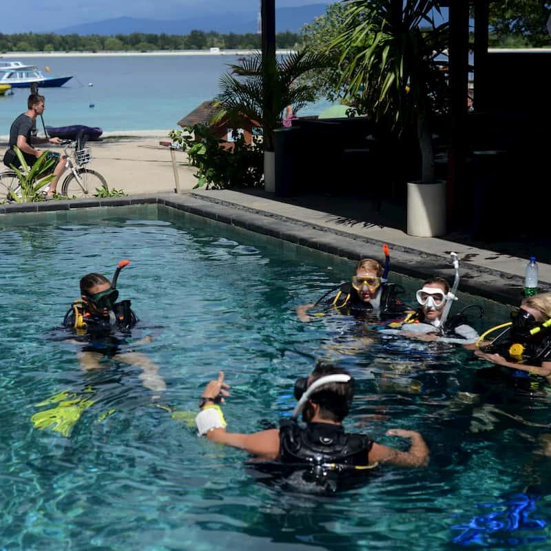 get additional workshop on Trawangan Dive IDC