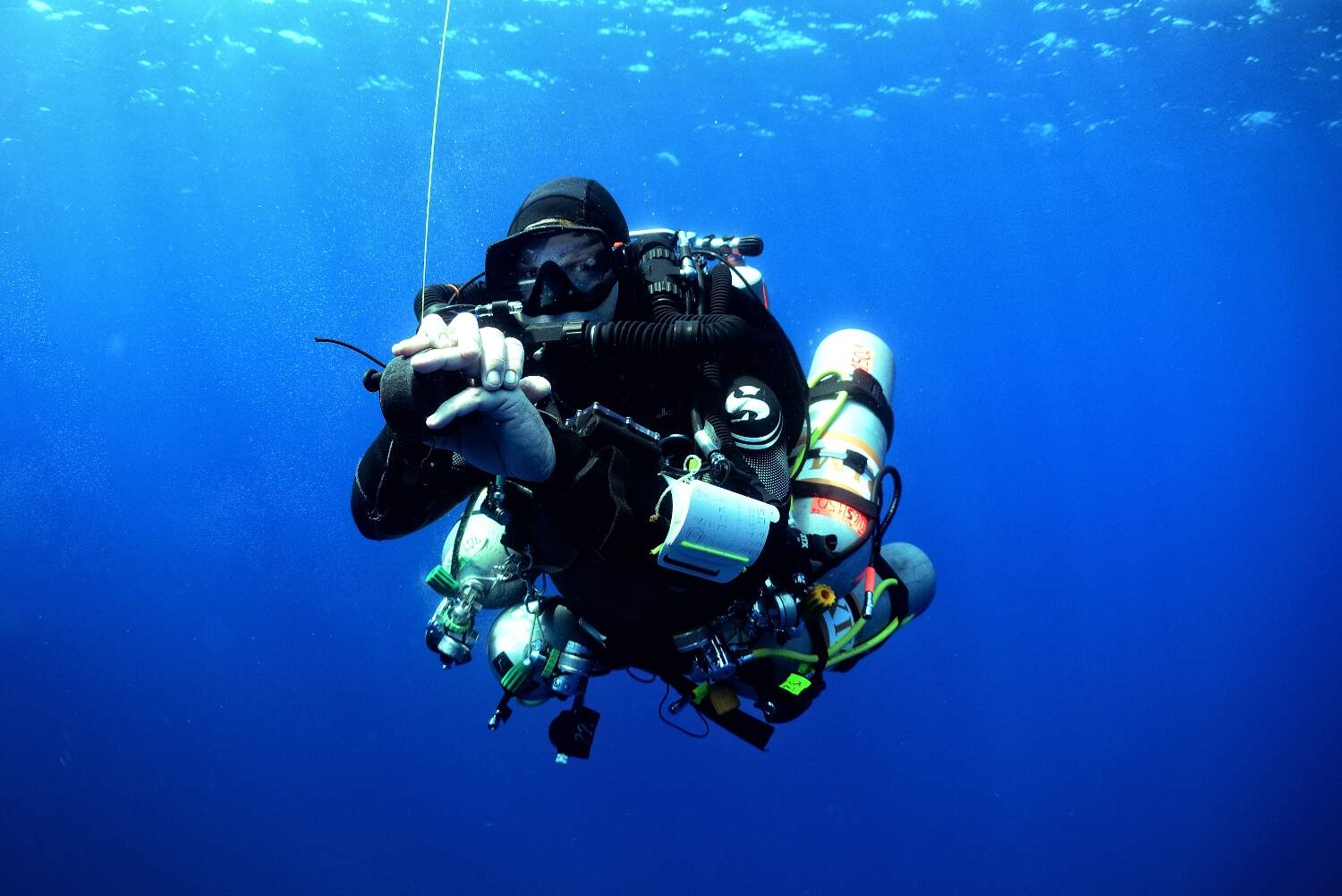 The TDI Advanced Mixed Gas CCR Diver Course is conducted over seven dives will focus on all the elements needed to plan and execute dives to those depths